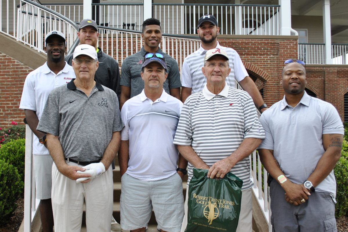 United Way Hosts Second Annual Hometown NFL Huddle Charity Golf Tournament